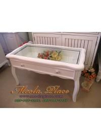 โต๊ะกลาง ท็อปกระจกสำหรับใช้ใส่ของโชว์ได้ สีขาว สไตล์วินเทจ ขนาด กว้าง 90 x ลึก 45 x สูง 50 ซม.