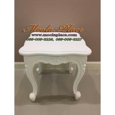 โต๊ะข้างหลุยส์ไม้สักแคทรียา ทำสีขาว แกะสลักลาย สไตล์วินเทจ ขนาด 50x50x50 ซม. (สามารถเปลี่ยนสีได้ )