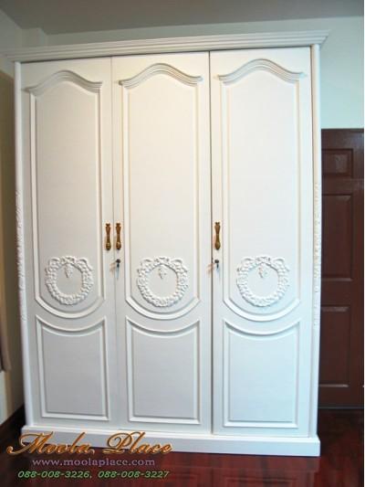 ตู้เสื้อผ้าสไตล์วินเทจแกะลายหน้าตู้และเสา ขนาด 180 x 60 x 240 ซม.