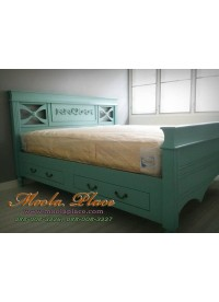 เตียงนอนสไตล์วินเทจ แกะลายหัวเตียง มี 2 ลิ้นชัก  ขนาด 6 ฟุต