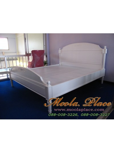 เตียงนอนสไตล์วินเทจ แกะลายกุหลาบ ขนาด 6 ฟุต