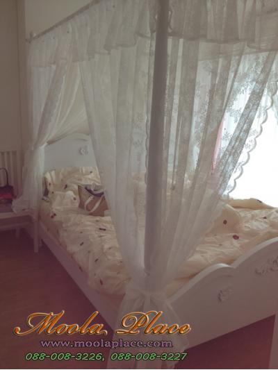 เตียงนอนมีเสาพร้อมคานไว้ใส่ม่านขนาด 6 ฟุต