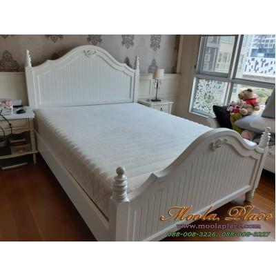 เตียงนอนขากลึงสไตล์วินเทจ แปะแกะสลักลายสวยงามหัวเตียงและท้ายเตียง ขนาด 5 ฟุต
