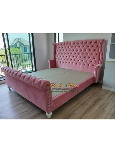 เตียงนอน wing bed ขากลึง ขนาด 6 ฟุต สามารถเปลี่ยนสีผ้า และหนังที่หุ้มได้ค่ะ