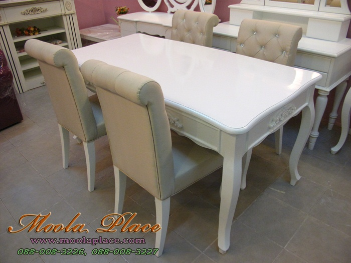 โต๊ะอาหารสไตล์วินเทจ เฟอร์นิเจอร์วินเทจราคาถูก