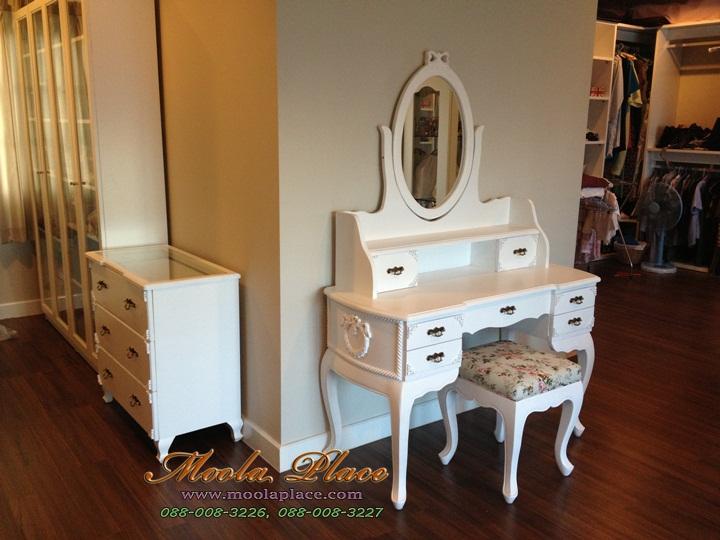โต๊ะเครื่องแป้ง สีขาว สไตล์วินเทจ ด้านข้างโต๊ะและตัวกระจกแกะลายโบว์ พร้อมสตูลขาสิงห์ โต๊ะเครื่องแป้งสีขาว,โต๊ะเครื่องแป้งเจ้าหญิง