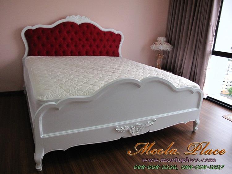 เตียงนอนเจ้าหญิง เตียงนอน มีเสาพร้อมคานไว้ใส่ม่าน พร้อมบุกำมะหยี่หัวเตียง ขนาด 6 ฟุตเตียงนอนสไตล์วินเทจ แกะสลักลายหัวและท้ายเตียง พร้อมบุกำมะหยี่หัวเตียง ขนาด 6 ฟุต