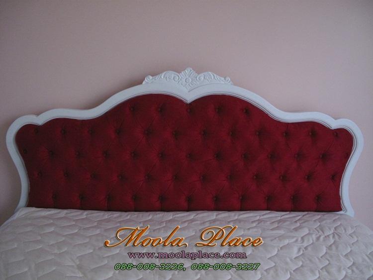 เตียงนอน มีเสาพร้อมคานไว้ใส่ม่าน พร้อมบุกำมะหยี่ ขนาด 6 ฟุต