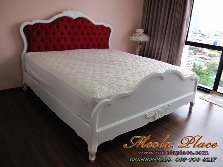เตียงนอนวินเทจ เตียงนอน มีเสาพร้อมคานไว้ใส่ม่าน พร้อมบุกำมะหยี่หัวเตียง ขนาด 6 ฟุต